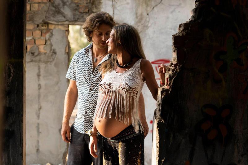 fotos de embarazo en la playa en Cádiz